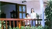 ดร.ศศิและคุณแม่จีระ อินทโกสุม  บ้านสวยในฝัน